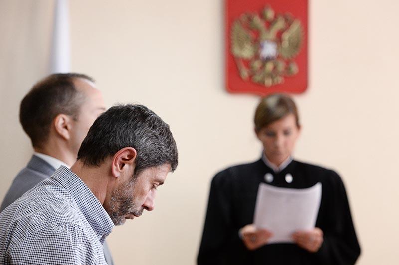 Актер Валерий Николаев в суде