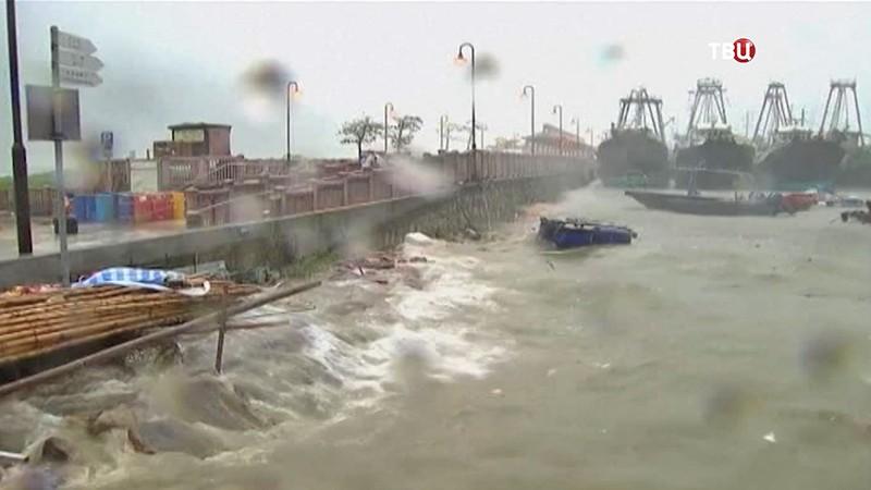 Тайфун в Китае