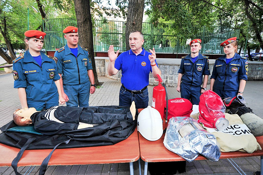 Генерал-полковник внутренней службы в отставке, президент Академии государственной противопожарной службы МЧС РФ Иван Тетерин