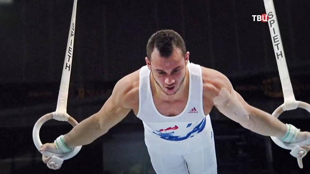 Французский гимнаст Самир Саид