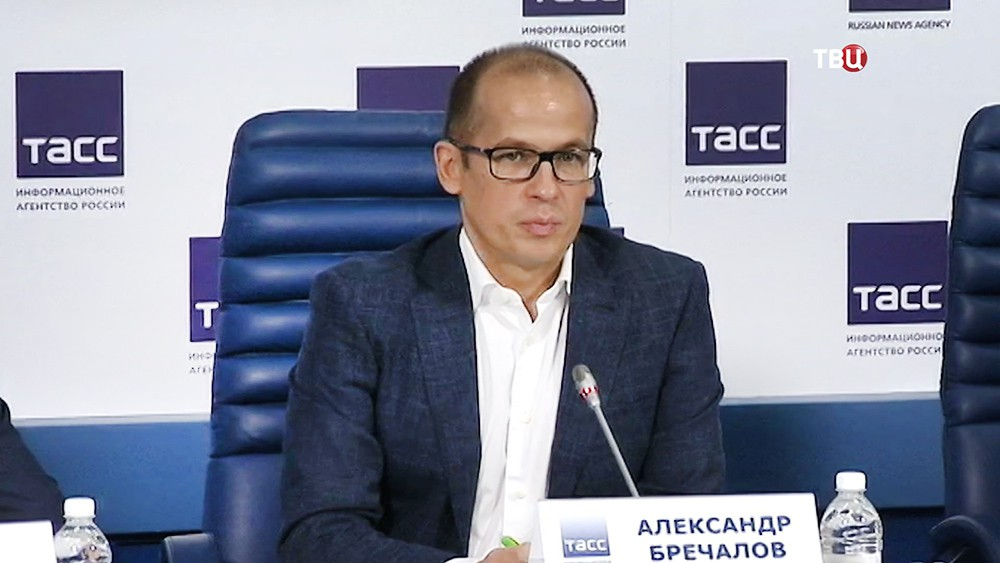Руководитель Общественной палаты Александр Бречалов
