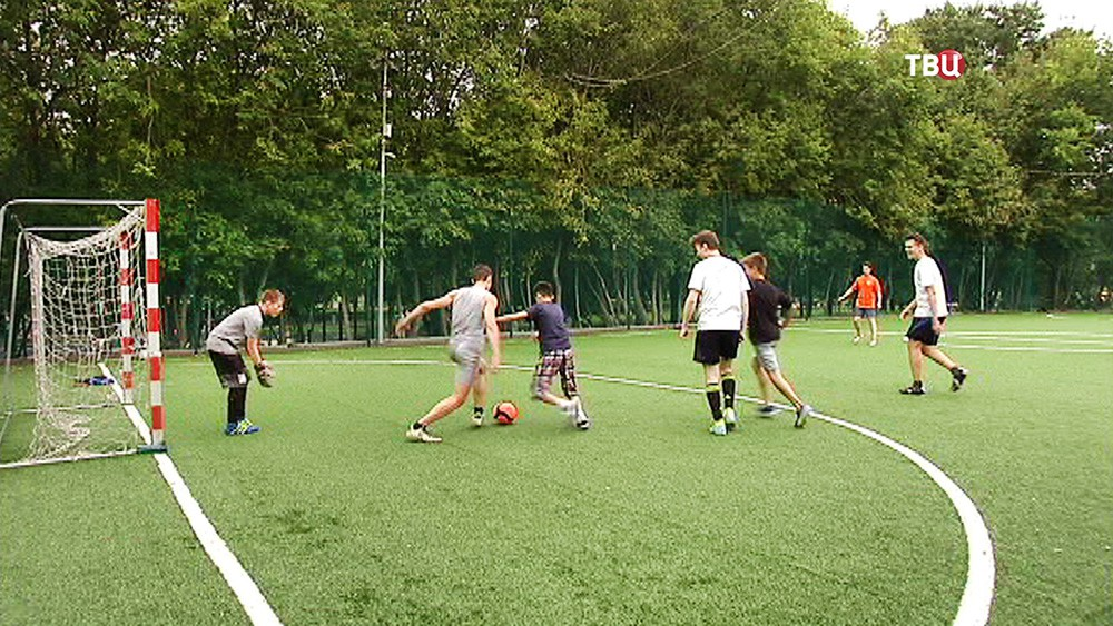 Дворовый футбол