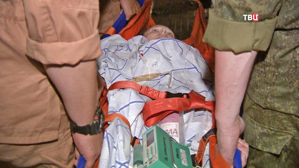 Пострадавшая при обстреле в Сирии россиянка доставлена в Санкт-Петербург