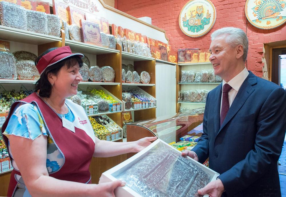 Сегей Собянин посетил магазин в Туле
