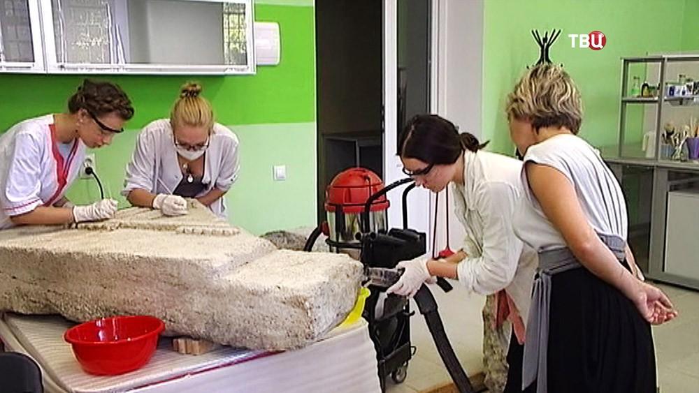 Реставраторы в Крыму