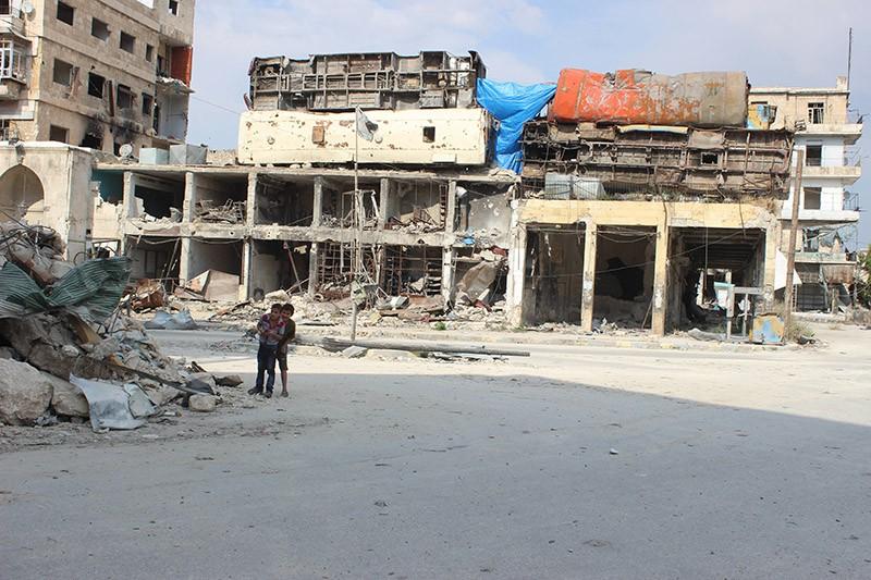 Дети на одной из улиц города Алеппо, Сирия