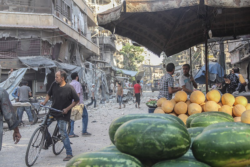 Мирные жители в городе Алеппо, Сирия