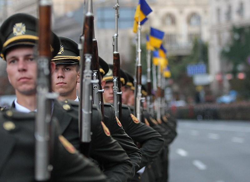 Участники военного парада в честь Дня Независимости в Киеве