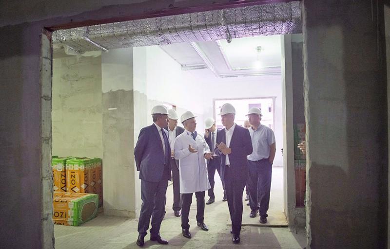 Сергей Собянин осматривает строительные работы
