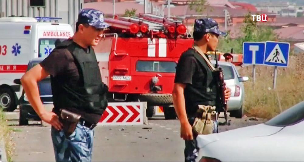 Экстренные службы Киргизии на месте происшествия