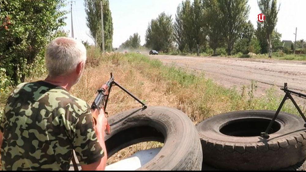 Ополченцы Донбасса на КПП