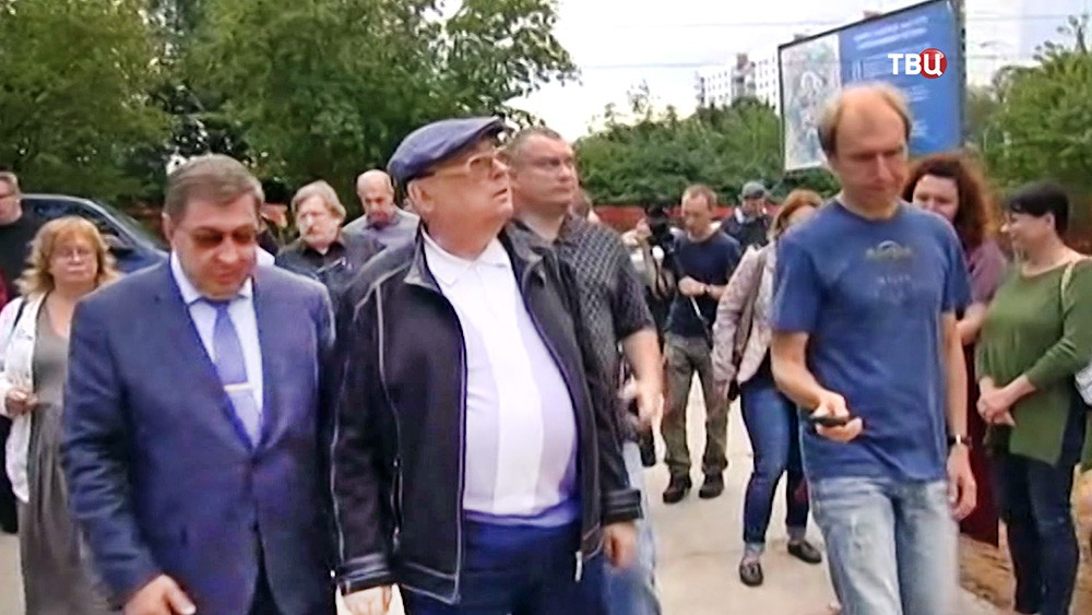 Владимир Ресин проинспектировал строительство храма