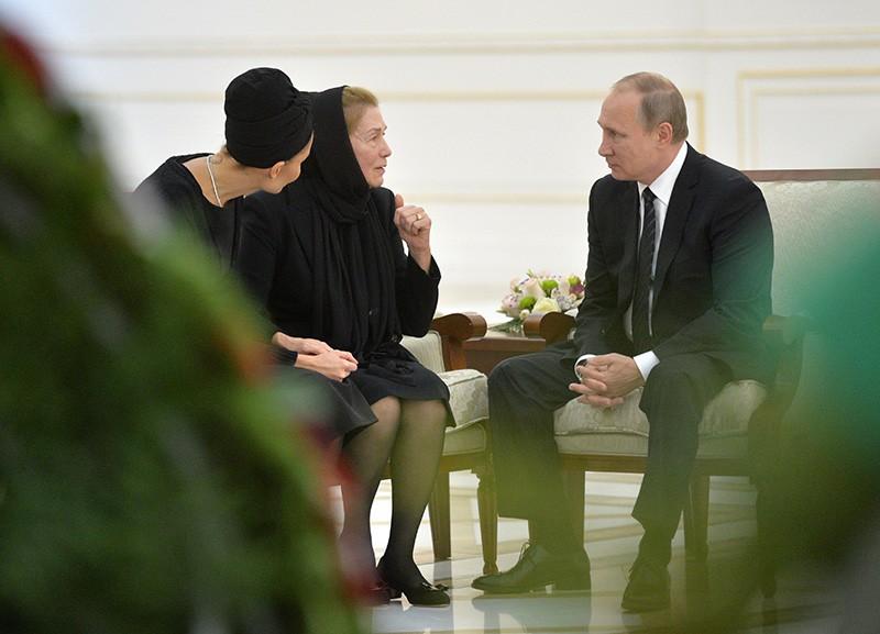 Президент РФ Владимир Путин выражает соболезнования вдове президента Узбекистана Татьяне Каримовой