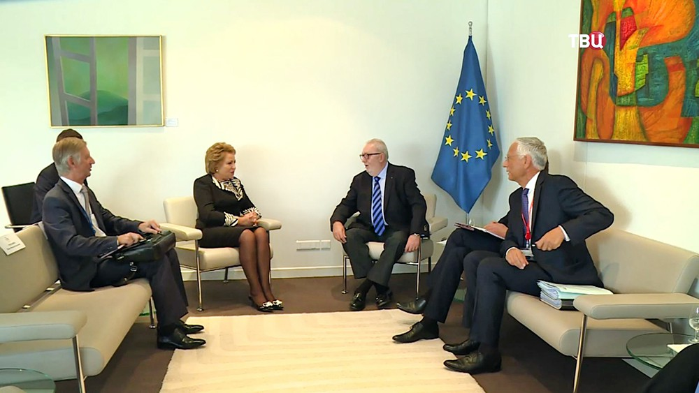 Председатель Совета Федерации России Валентина Матвиенко и председатель Парламентской Ассамблеи Совета Европы (ПАСЕ) Педро Аграмунта