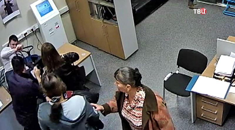 """Нападение на сотрудников в офисе компании """"Внуково"""""""