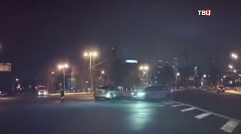 Водителя иномарки дрифтует вокруг полиции