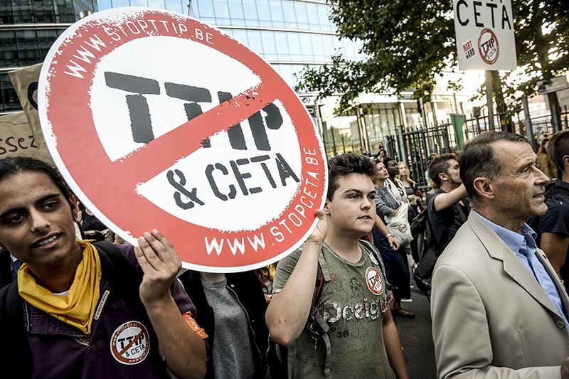 Протест против трансатлантической торговли и инвестиционного партнерства с США