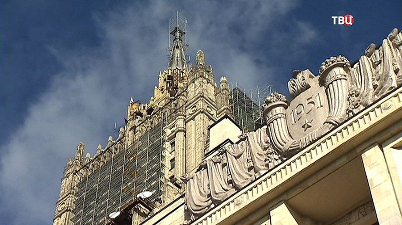 Реконструкция шпиля на здании МИД России