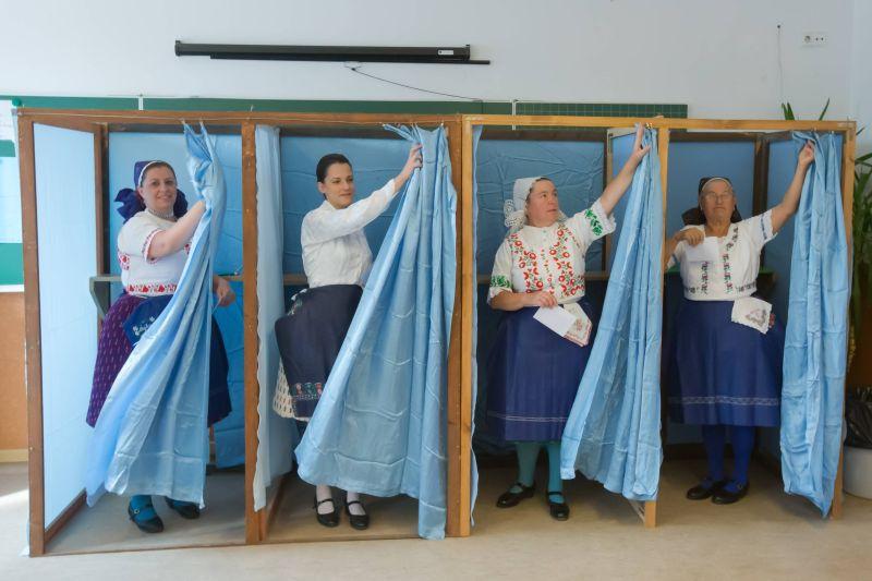 Референдум по вопросу приема беженцев в Венгрии