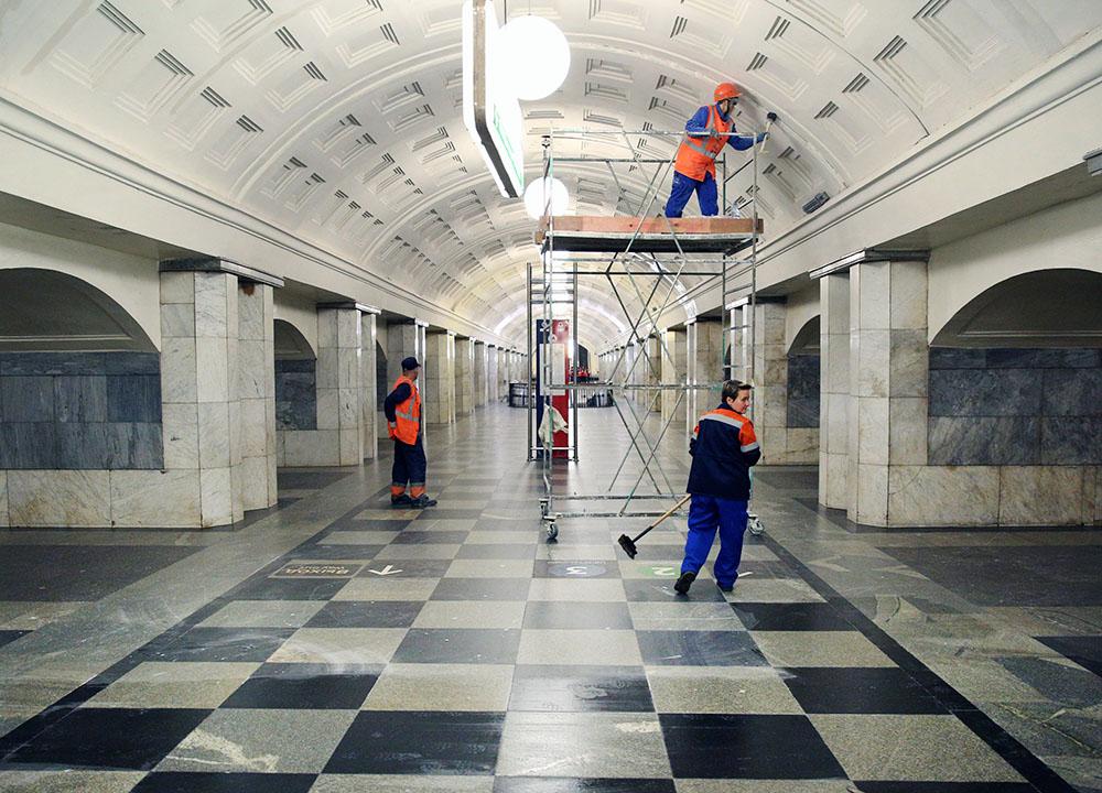 """Ремонтные работы на станции метро """"Охотный рад"""""""