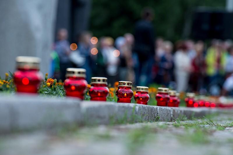 Свечи на месте трагедии