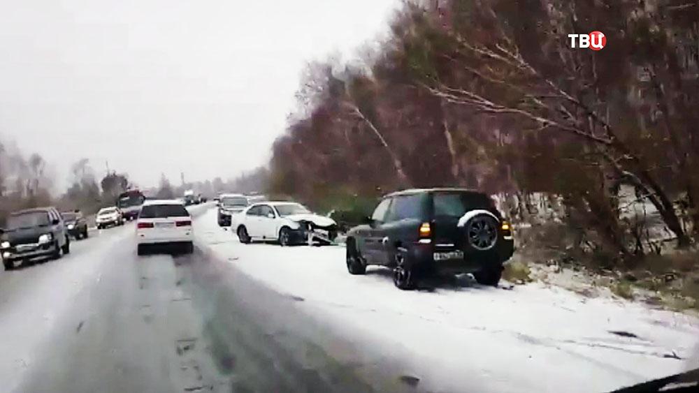 Последствия снегопада в Иркутской области