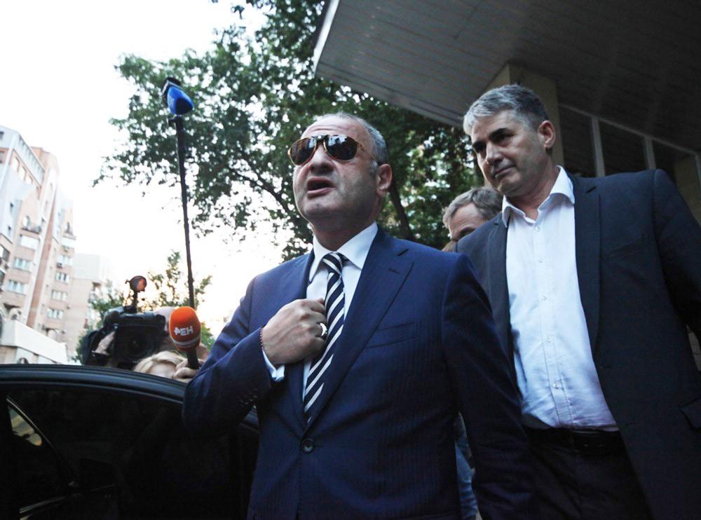 Экс-чиновник правительства Москвы Эраст Матаев (слева)