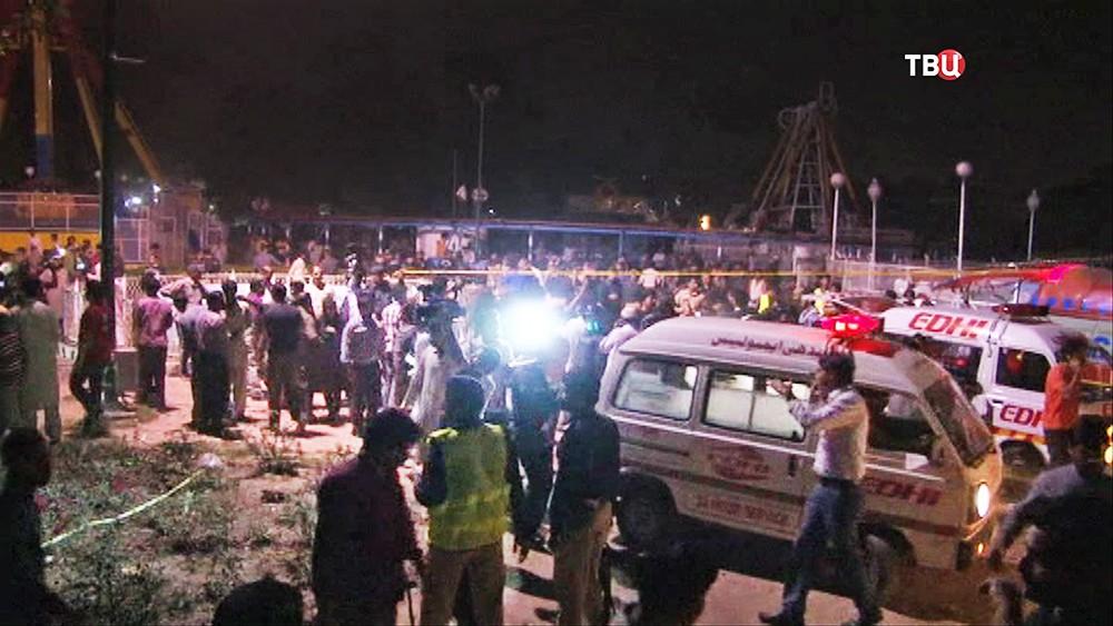 Скорая помощь Пакистана на месте происшествия