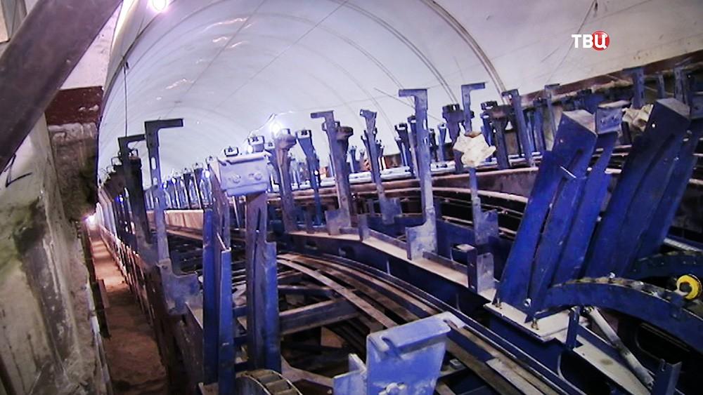 Замена эскалатора на станции метро