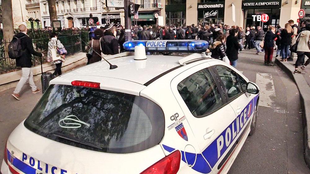Автомобиль полиции Франции