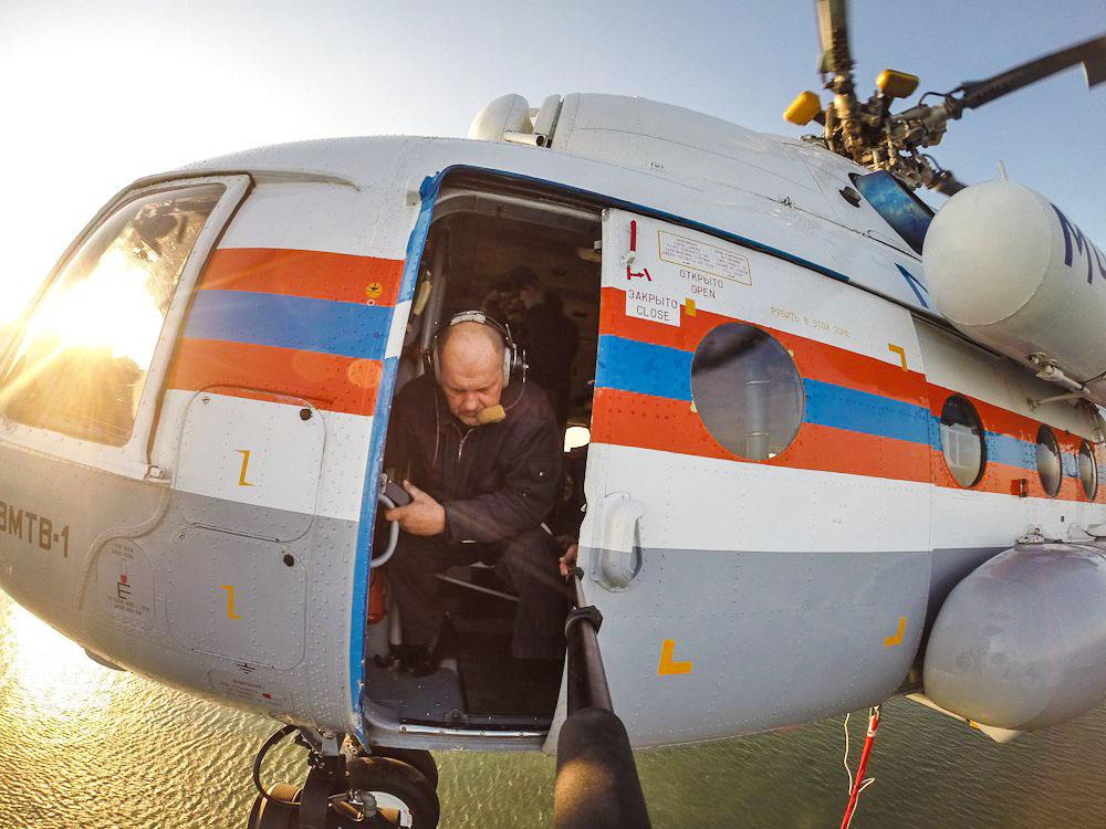 Поисково-спасательная операция с вертолета Ми-8 МЧС России