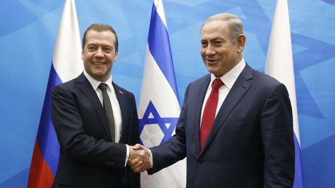 Главы правительств России и Израиля Дмитрий Медведев и Биньямин Нетаньяху