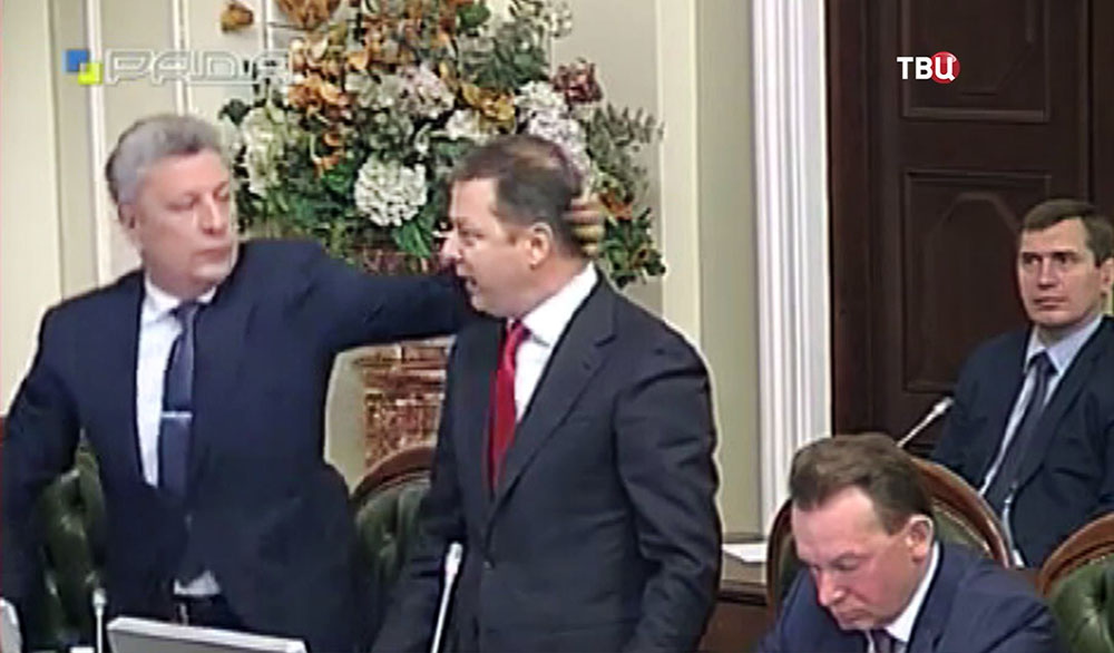 Юрий Бойко и Олег Ляшко подрались на заседании