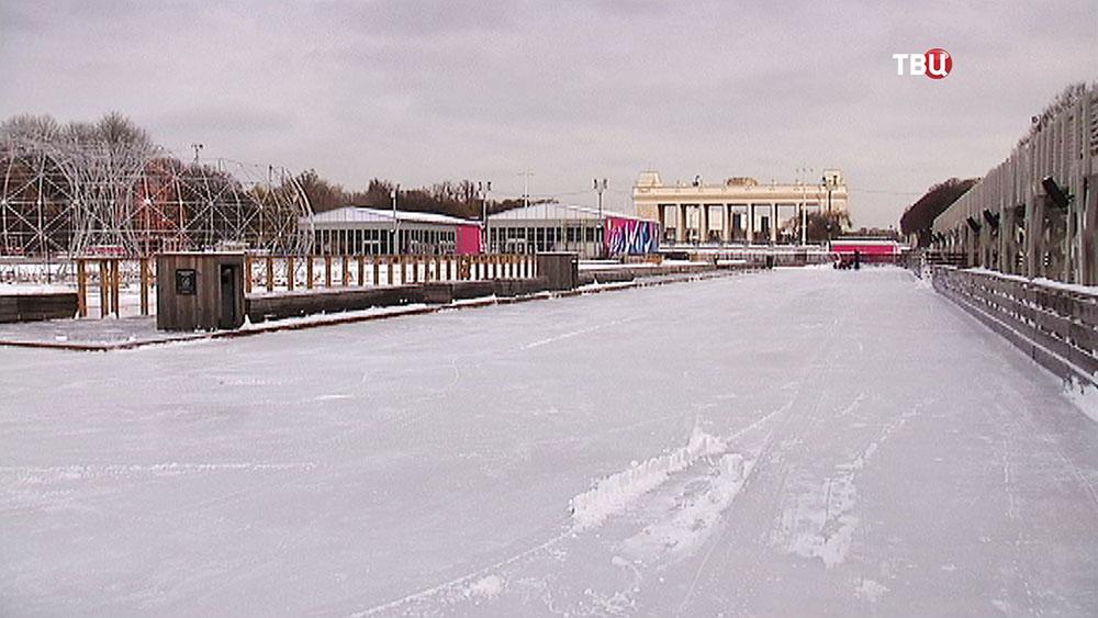 Заливка катка в Парке Горького