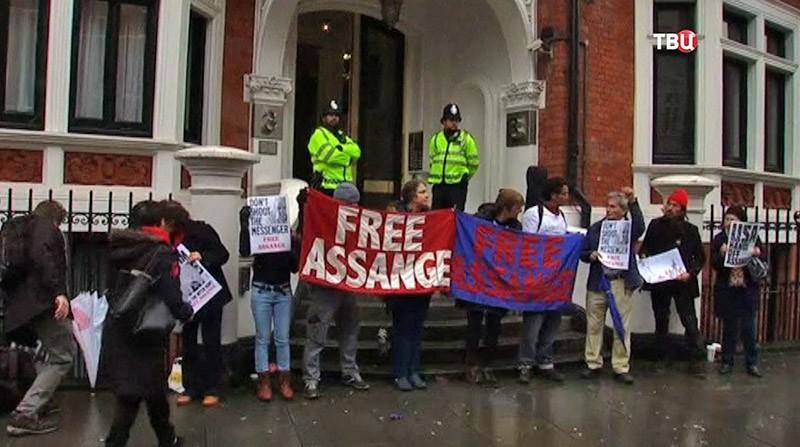 Допрос основателя портала WikiLeaks Джулиана Ассанжа