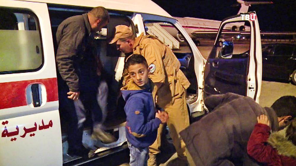 Детей из Сирии эвакуируют в военный госпиталь
