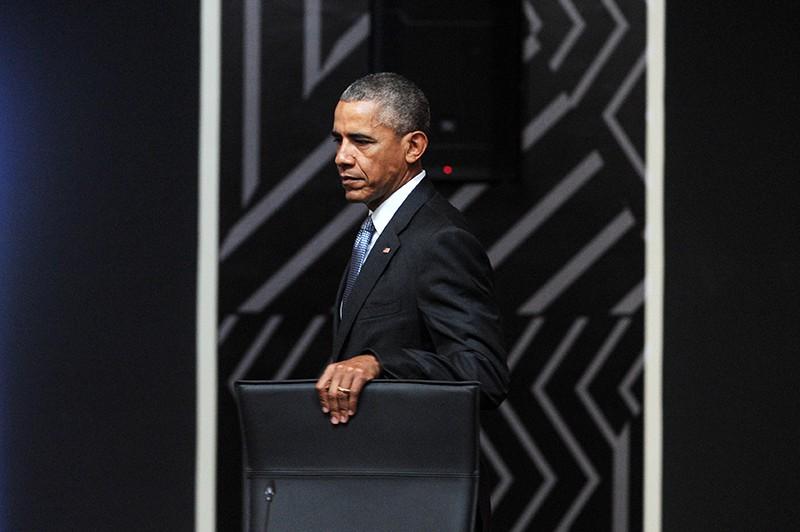 Президент США Барак Обама на заседании лидеров экономик саммита АТЭС в Перу