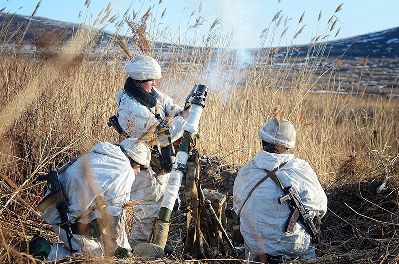 Минометчики на учениях соединений морской пехоты