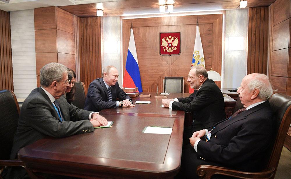 Президент РФ Владимир Путин, бывший генсек Лиги арабских государств Амр Муса, бывший председатель Совета министров Италии Ламберто Дини и бывший генсек НАТО Хавьер Солана