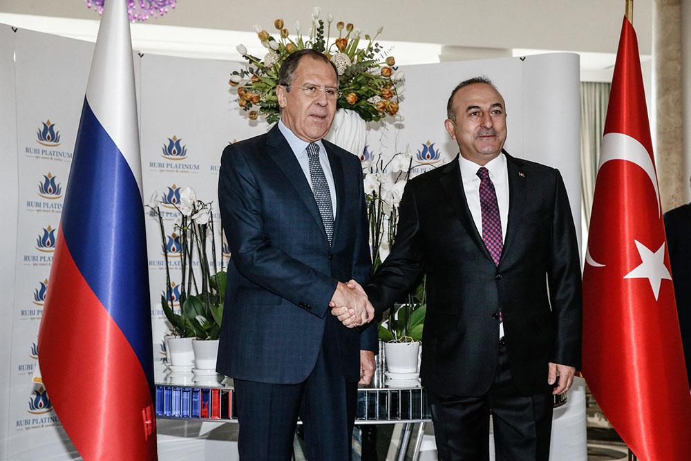 Глава МИД России Сергей Лавров и министр иностранных дел Турции Мевлют Чавушоглу