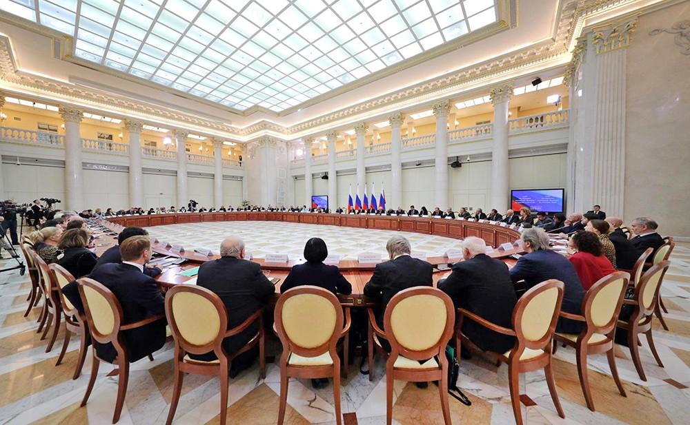 Совместное заседание Совета по культуре и искусству и Совета по русскому языку