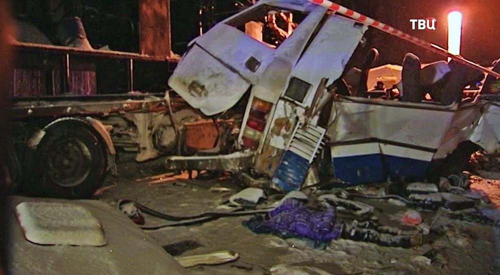 Место аварии на 926-м километре автодороги Тюмень — Ханты-Мансийск