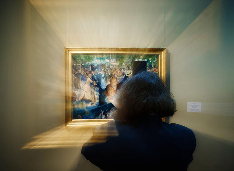Посетительница выставки в Эрмитаже