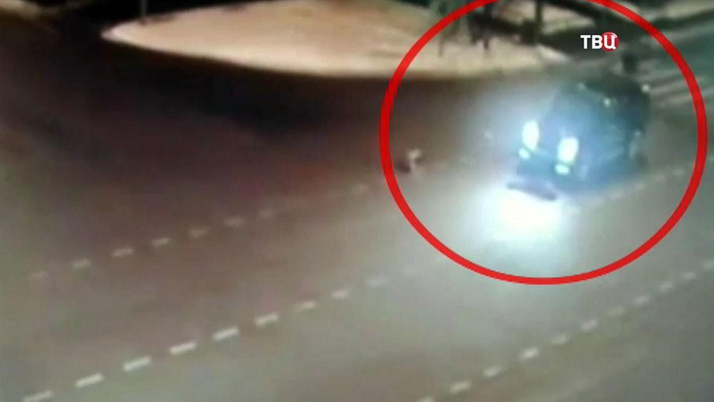 Автомобиль Gelandewagen сбил детей на пешеходном переходе