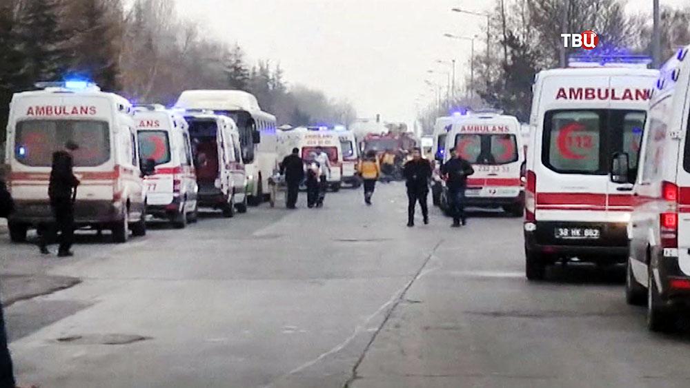 Машины скорой помощи на месте происшествия в Турции