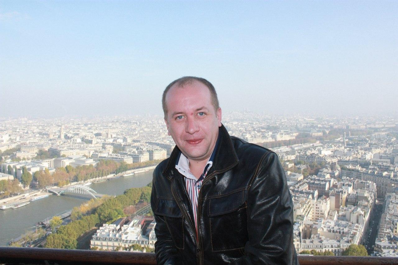 Музыкант Дмитрий Белоножко