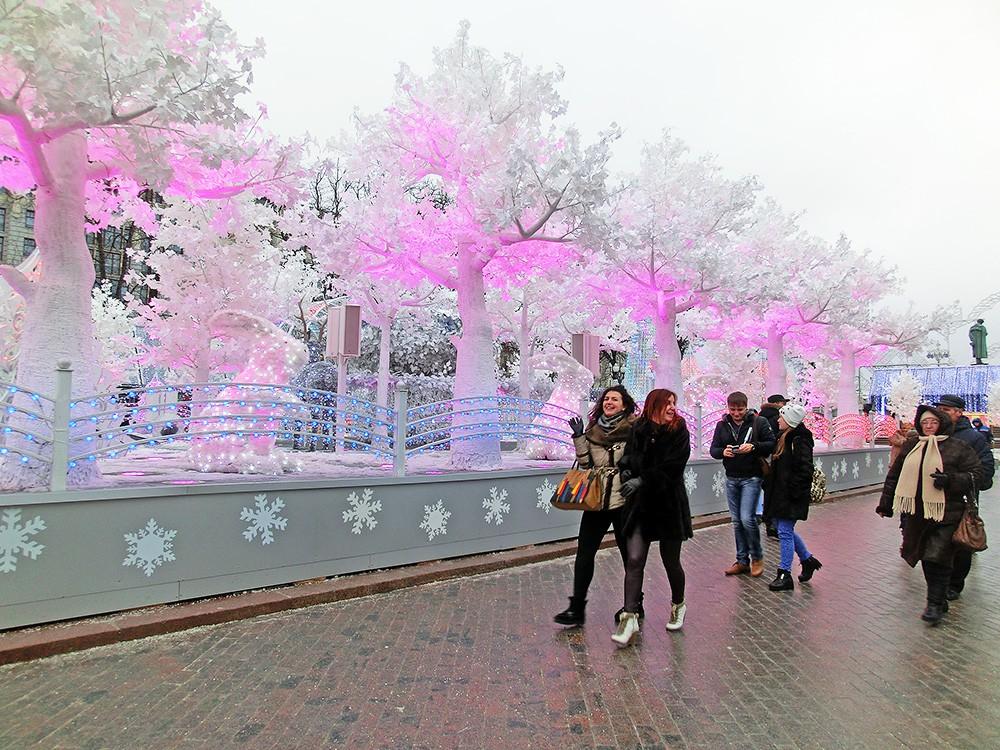 Новогодняя иллюминация на Пушкинской площади