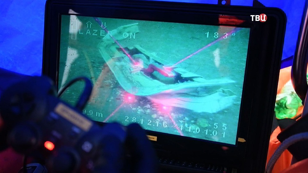 Обломки самолета Ту-154 на дне Черного моря