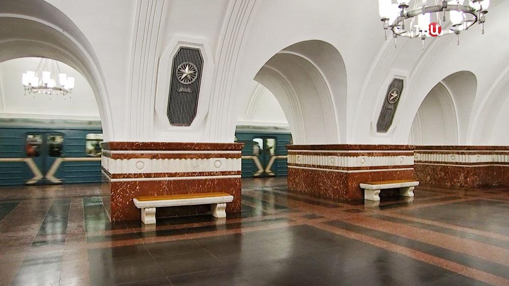 """Станция метро """"Фрунзенская"""""""