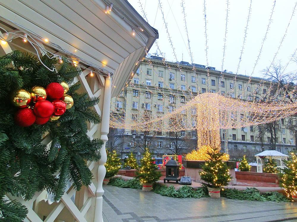 Новогоднее украшение Тверской площади